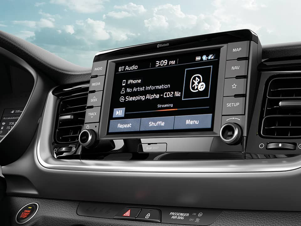 "Kia Stonic 7"" touchscreen"
